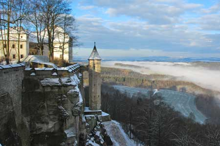 Georgenburg und Hungerturm im Winter